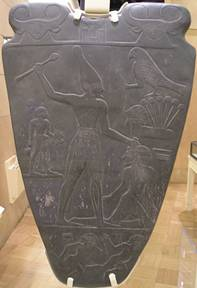 narmer-palette-smiting-an-enemy